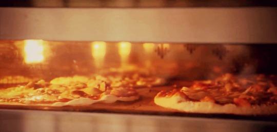 Four à pizza gaz VS four à pizza électrique